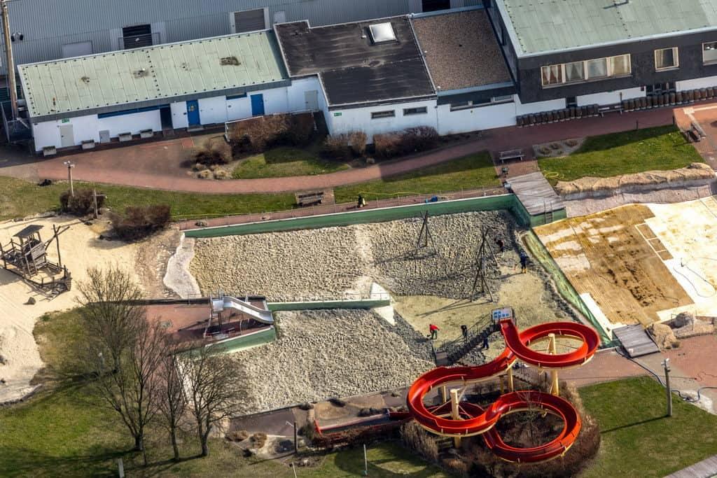 Das Naturbad Mülheim-Styrum bekommt neuen Sand,in Mülheim an der Ruhr in Nordrhein-Westfalen