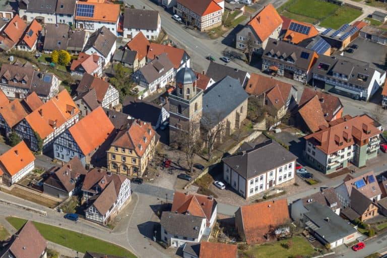 Rhoden in Diemelsee in Hessen, historischer Ortskern, Evangelische Stadtkirche Rhoden