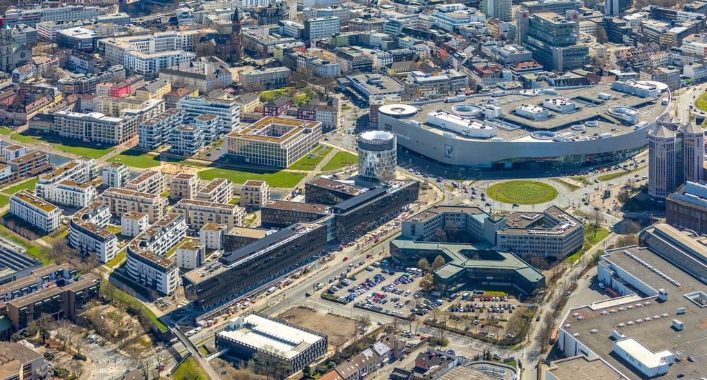 Neubau der Funke-Medien Hauptverwaltung am Berliner Platz in Essen Grüne Mitte in Essen im Ruhrgebiet in NRW