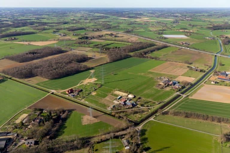 Obringhovener Bärenschleuse WESEL mit landwirtschaftlichen Flächen in Wesel in NRW