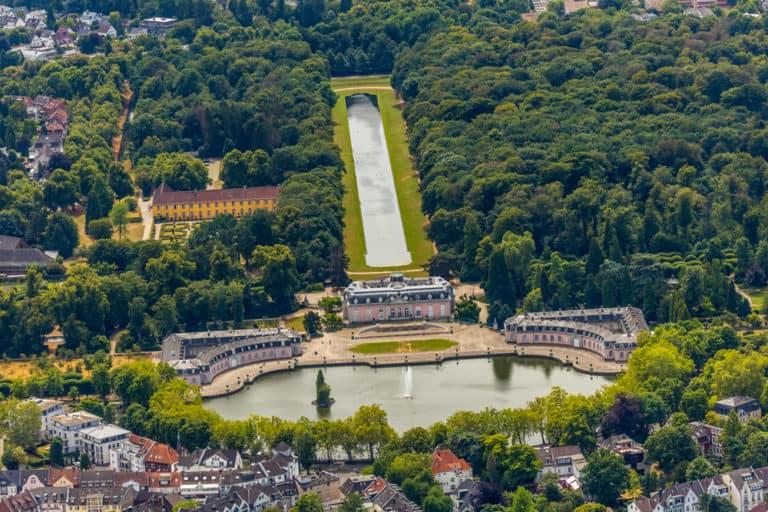 Duesseldorf Luftbild vom Schloss Und Park Benrath , Benrather Schloss in Düsseldorf, Niederrhein, Nordrhein-Westfalen, Deutschland Luftbildfotograf Hans Blossey