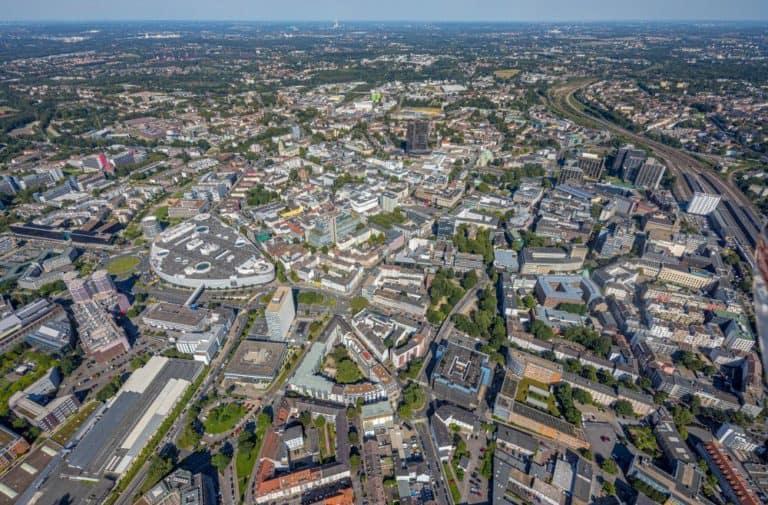 Stadtansicht City mit Limbecker Platz und Funke Mediengruppe im Stadtkern in Essen, Ruhrgebiet, Nordrhein-Westfalen, Deutschland